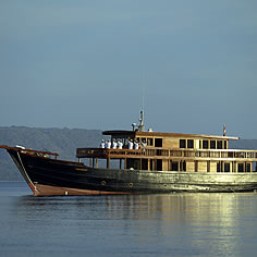 Luxury dive cruise in Indonesia