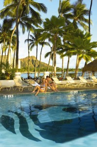 Beach Hotels in Waikiki: Outrigger Waikiki