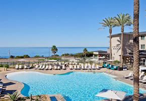 Oceanfront hotels in California